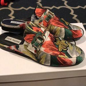 NEW!!! Floral print Steve Madden shoes